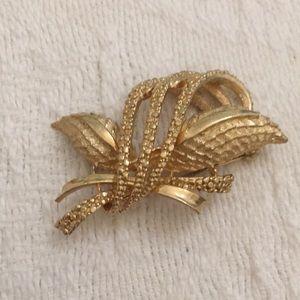 Coro designer gold sheaf pin flawless